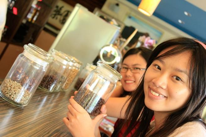 各種咖啡豆供我們聞聞問問