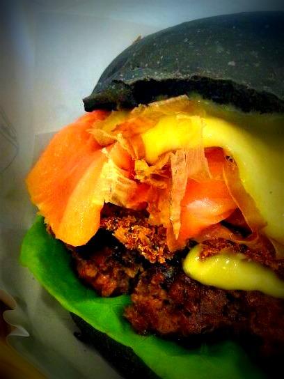 @ Spade's Burger 1-1-22 Ideal Avenue, Medan Kampung Relau, Penang